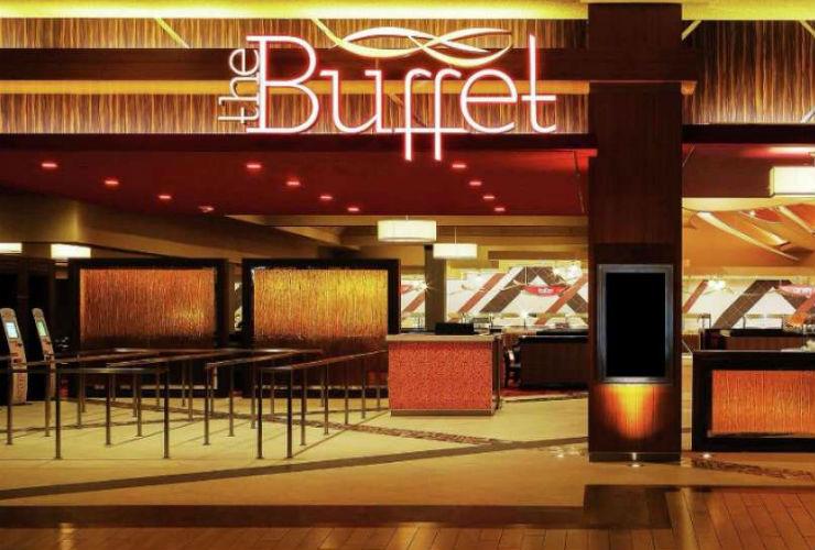 広い店内でゆっくりと楽しめる食べ放題レストラン「ザ バフェ」
