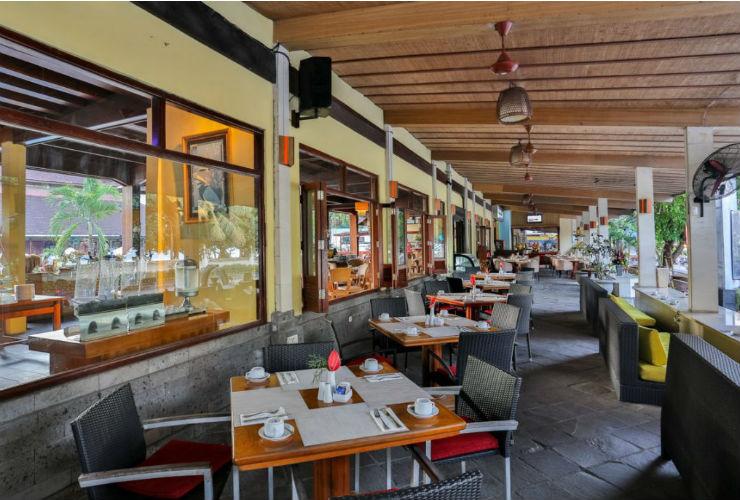 グランド イスタナ ラマ ホテル レストラン