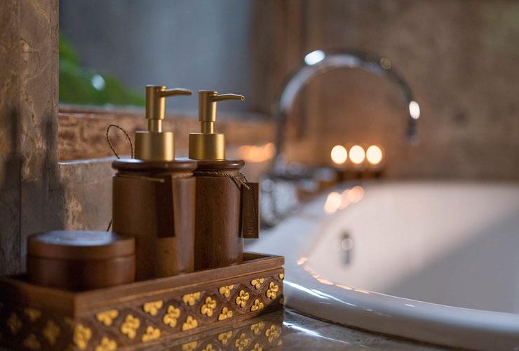 ロマンティックな雰囲気のバスルーム