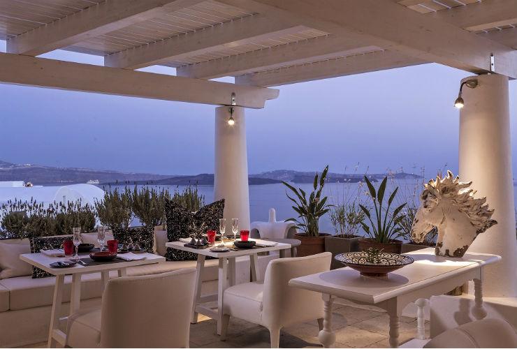 エーゲ海の景色も、食事とともに満喫。