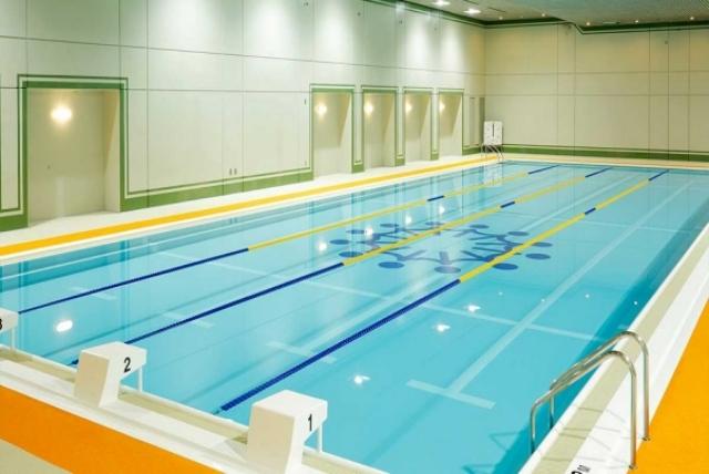 天然地下水を使用した屋内プール