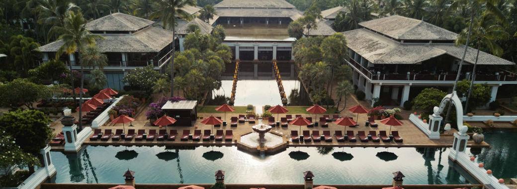 タイの伝統的なたたずまいのホテル