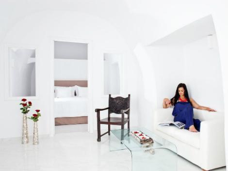サントリーニ島:カナベス イア ホテル 客室一例