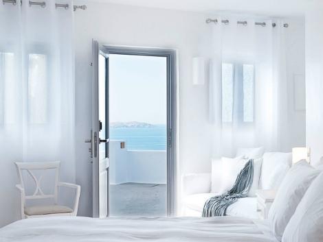 サントリーニ島:カティキエス ザ ホテル 客室一例