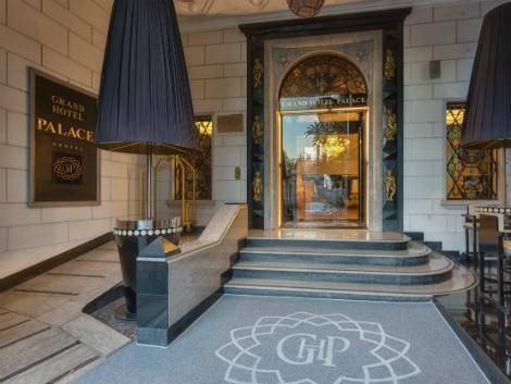 ローマ:グランド ホテル パレス エントランス