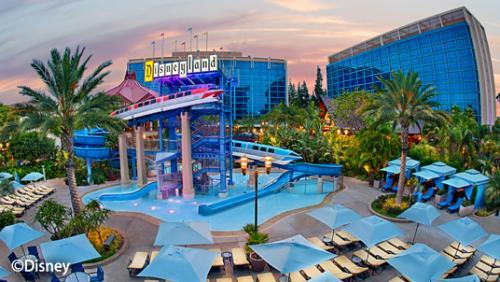 ディズニーランド・ホテル モノレール・スライド・プール