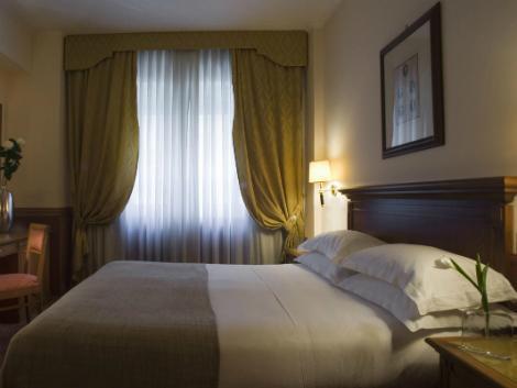 ローマ:スターホテルズ ミケランジェロ 客室一例