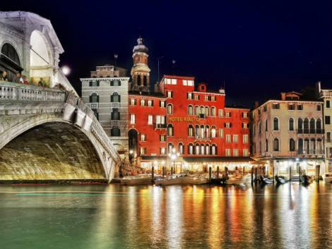 ベネチア:ホテル リアルト 外観