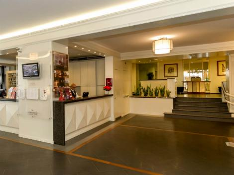 フィレンツェ:ホテル ロンドラ ロビー