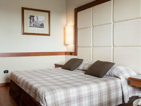 フィレンツェ:ホテル ロンドラ 客室一例