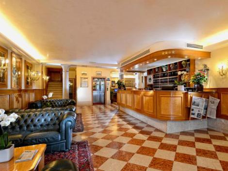 ベネチア:ホテル リアルト ロビー
