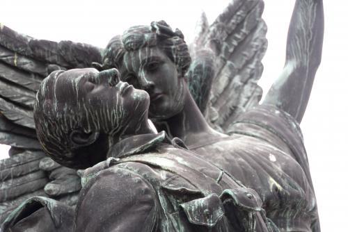 ギャスタウンの「勝利の天使」像(バンクーバー)