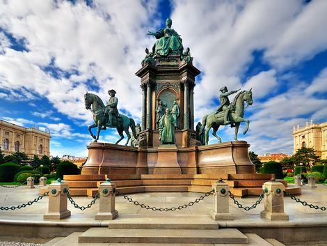 ◇◎ウィーン:女帝マリア・テレジアの像