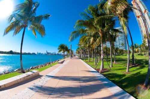マイアミの海辺をお散歩♪