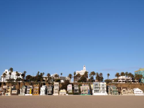 サンタモニカに立ち並ぶかわいい家々(ロサンゼルス)