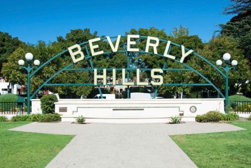 ロサンゼルスの有名観光地、ビバリーヒルズ