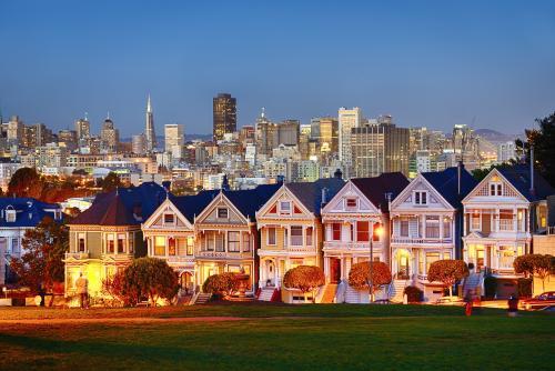 サンフランシスコ、アラモ・スクエアからの眺め