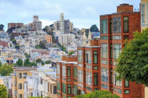 坂が多いサンフランシスコの街並み