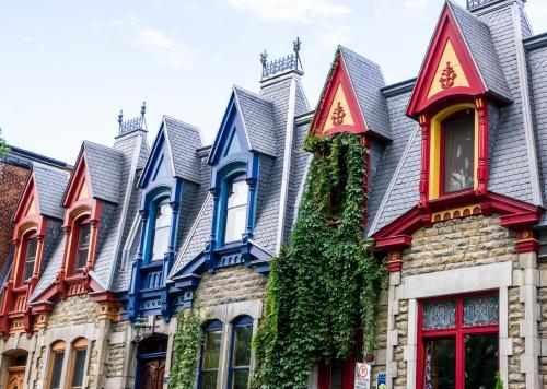 可愛らしいヴィクトリア調の建築(モントリオール)
