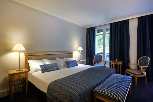 パリ:ロイヤル ホテル スーペリアルーム 一例