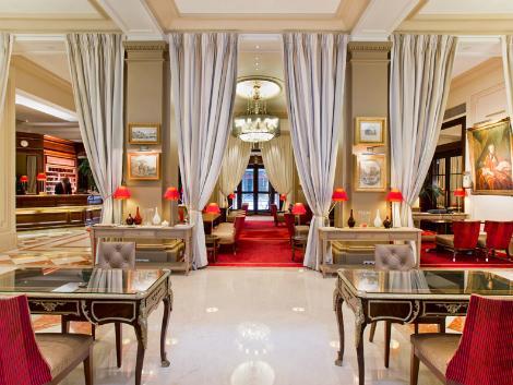 パリ:ホテル カリフォルニア パリ シャンゼリゼ  ロビー