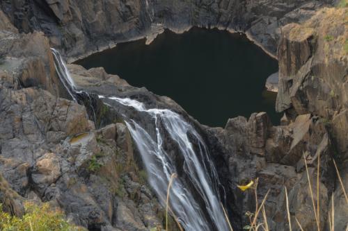 とても雄大なバロン滝