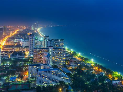 パタヤ:バンコクから気軽に行けるビーチリゾート