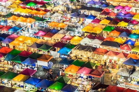 バンコク:所狭しとお店が並ぶナイトマーケット