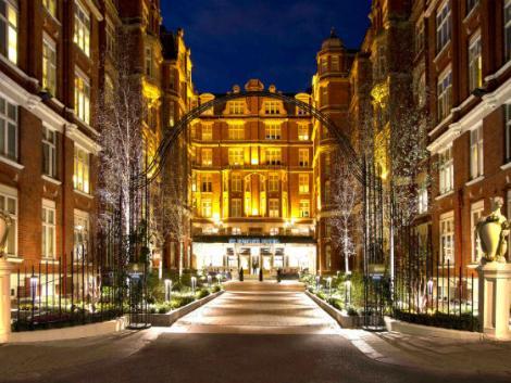 ロンドン:セント アーミンズ ホテル 外観