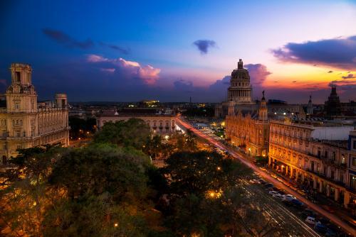 ハバナの夜景(キューバ)