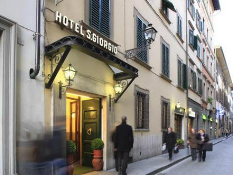 フィレンツェ:サン ジョルジオ & オリンピック 外観