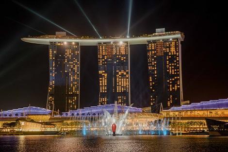 シンガポール:マリーナベイサンズ Spectra Light&Water Show/提供:Marina Bay Sands