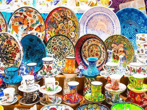 ◇トルコ:お土産に人気のカラフル食器