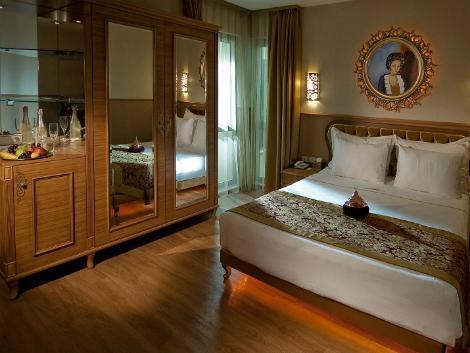 イスタンブール:ホテル スルターニャ 客室一例