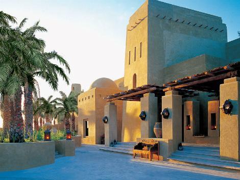 ドバイ:バブ アル シャムス デザート リゾート&スパ 外観