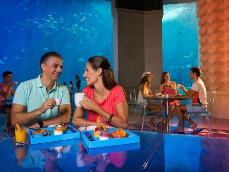 ドバイ:アトランティス ザ パーム レストラン