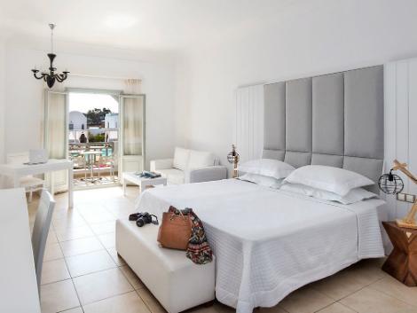 サントリーニ島:アストロ パレス 客室一例