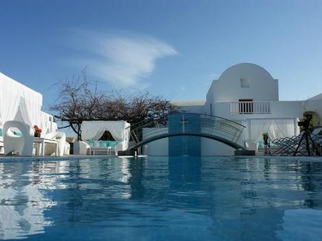 サントリーニ島:セオクセニア ホテル プール