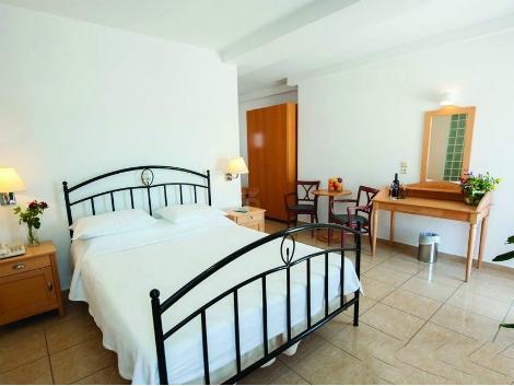 サントリーニ島:セオクセニア ホテル 客室一例