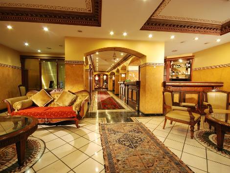 イスタンブール:ホテル ネナ ロビー