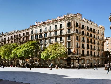 バルセロナ:ホテル コロン 外観