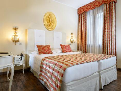 ベネチア:ホテル プリンシピ 客室一例