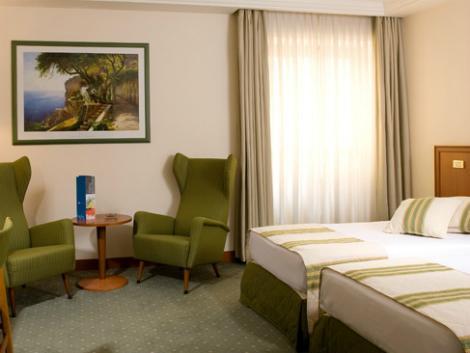 ナポリ:ロイヤル コンチネンタル ホテル 客室一例