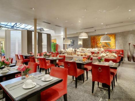 パリ:アストラ オペラ レストラン