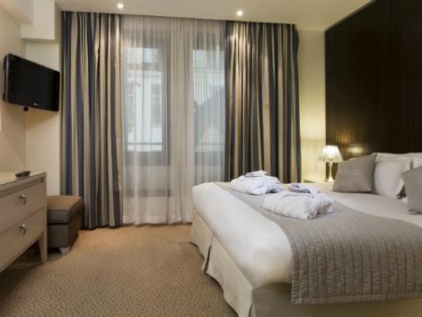パリ:ル ペラ 客室一例