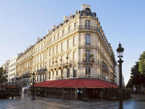 パリ:フーケッツ バリエール 外観
