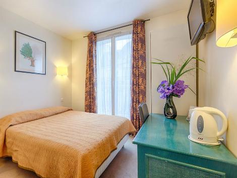 パリ:ホテル チャリング クロス 客室一例