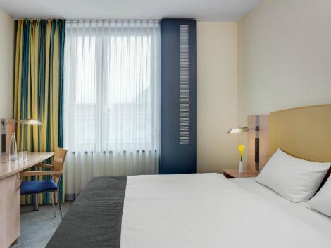 ハンブルク:インターシティ ホテル ハウプトバーンホフ 客室一例