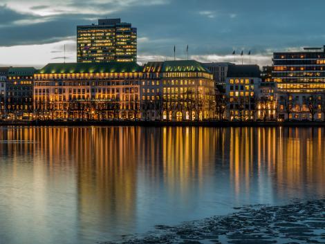 ◇◎ハンブルク:夕暮れのアルスター湖