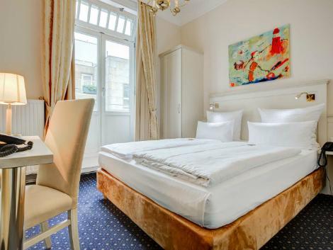 ハンブルク:フュルスト ビスマルク 客室一例